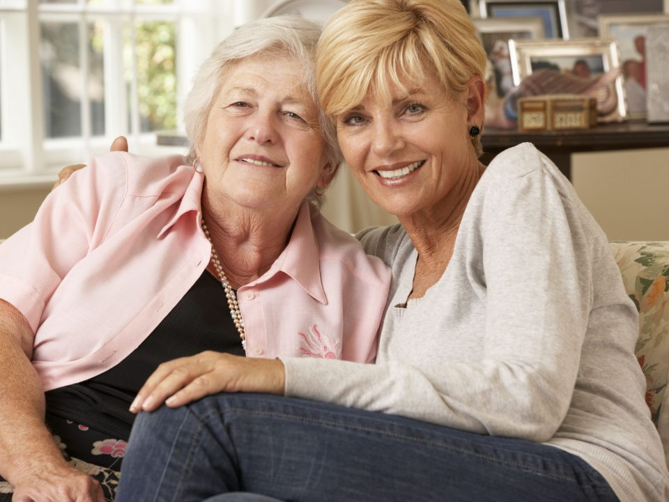 Safe-T Home Care recommends 10 activities for a parent with Alzheimer's.